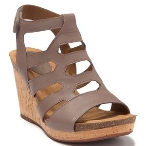 Sofft Mist Gray Chamblee Leather Wedge Sandal 8.5